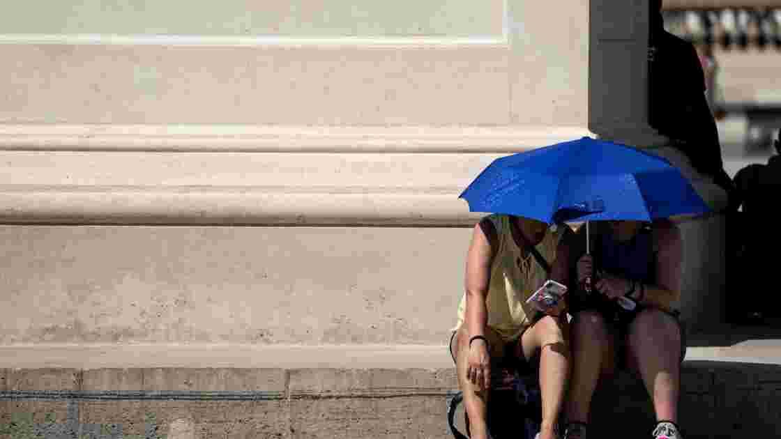 La France risque de battre son record de chaleur, vigilance rouge dans le Midi