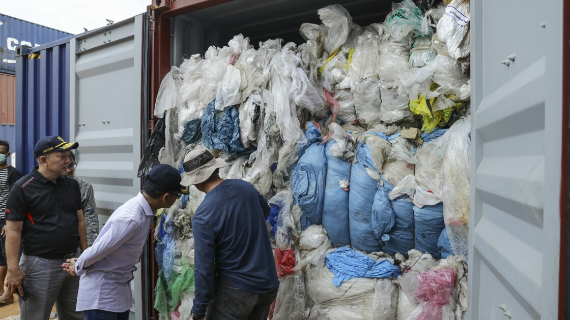 L'Indonésie va renvoyer 49 conteneurs de déchets en Europe et aux Etats-Unis