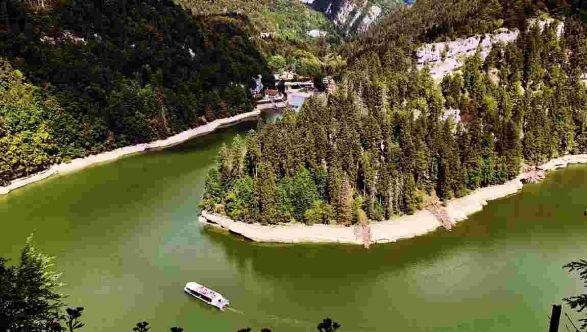 """A Villers-le-Lac, dans le Doubs, des """"chutes du Niagara"""" à la française"""