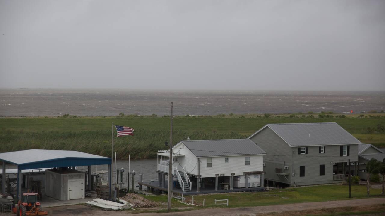 La côte de la Louisiane évacuée avant l'arrivée d'une tempête tropicale