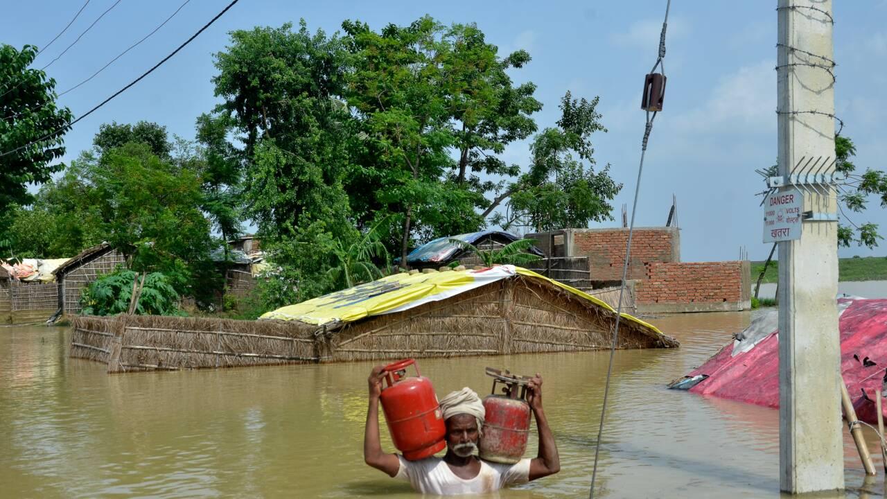 """""""Personne ne se soucie de nous"""": le désespoir des victimes d'inondations en Inde"""