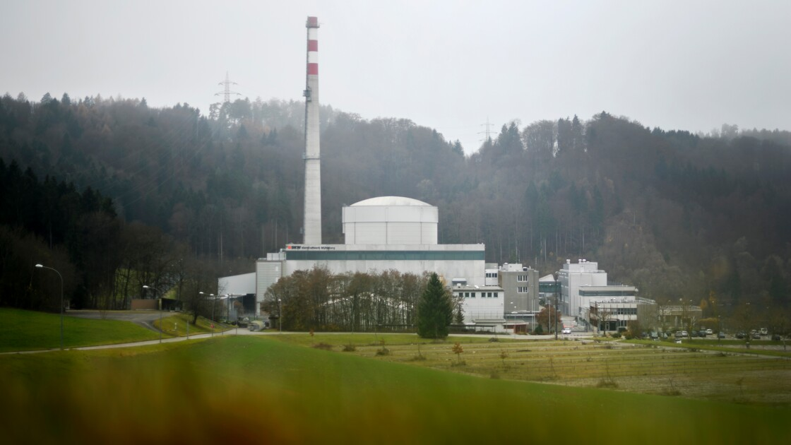 """En Suisse, une """"cathédrale"""" de déchets nucléaires, en attendant l'enfouissement"""