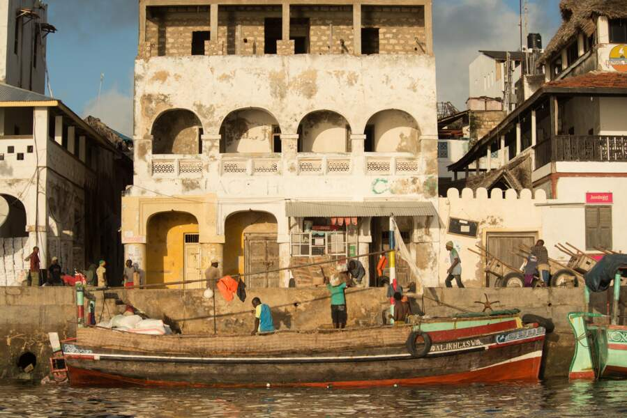 Le vieux port semble sorti d'une gravure ancienne