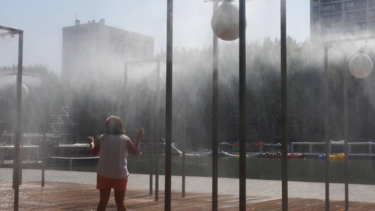 """Canicule: vingt départements en """"rouge"""", le thermomètre s'affole jeudi"""