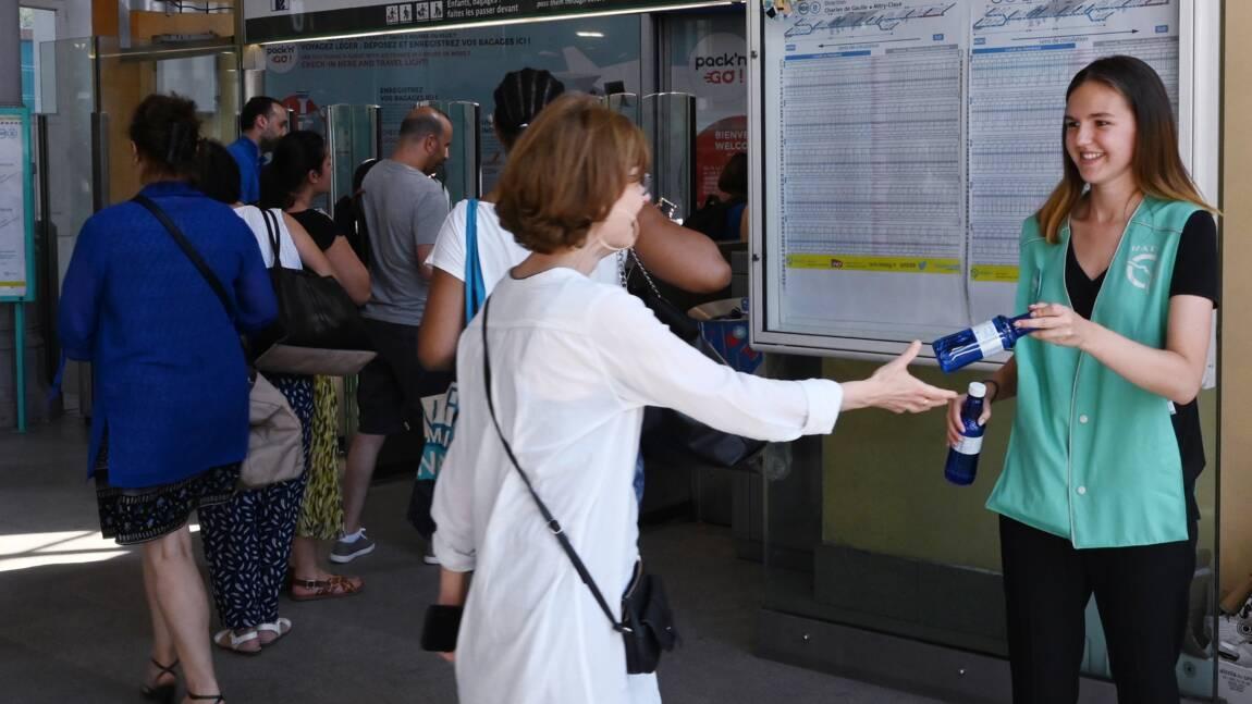 Canicule : dans les transports en commun, des passagers à la recherche de l'air