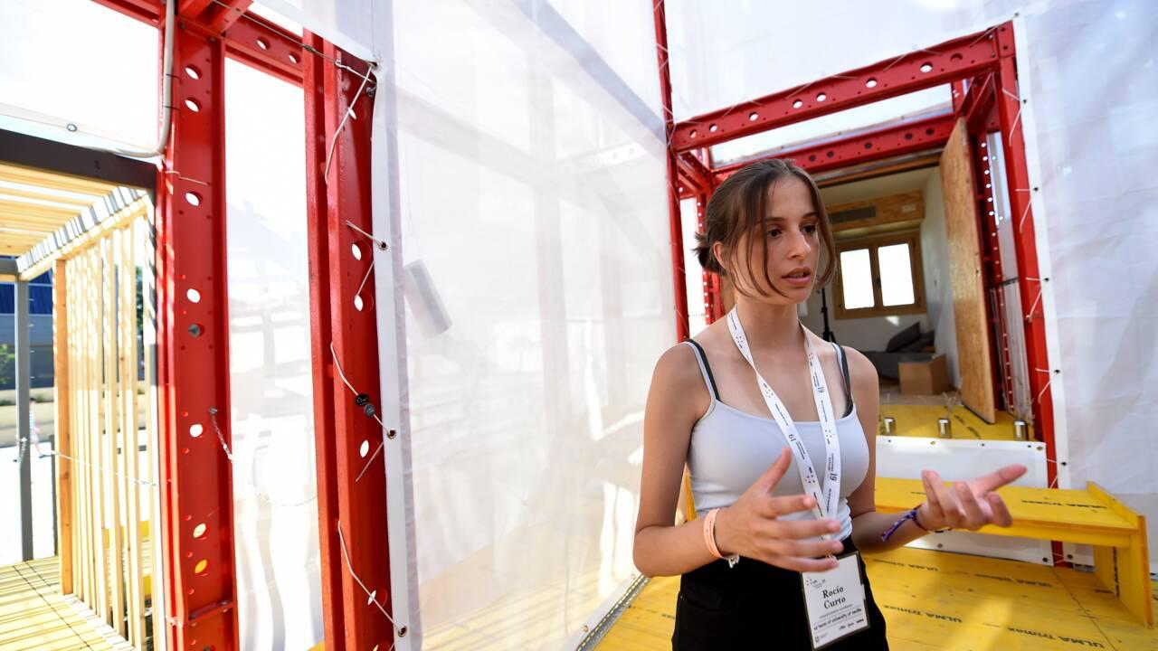 Dans la campagne hongroise, un camp éphémère de maisons écolos-solaires