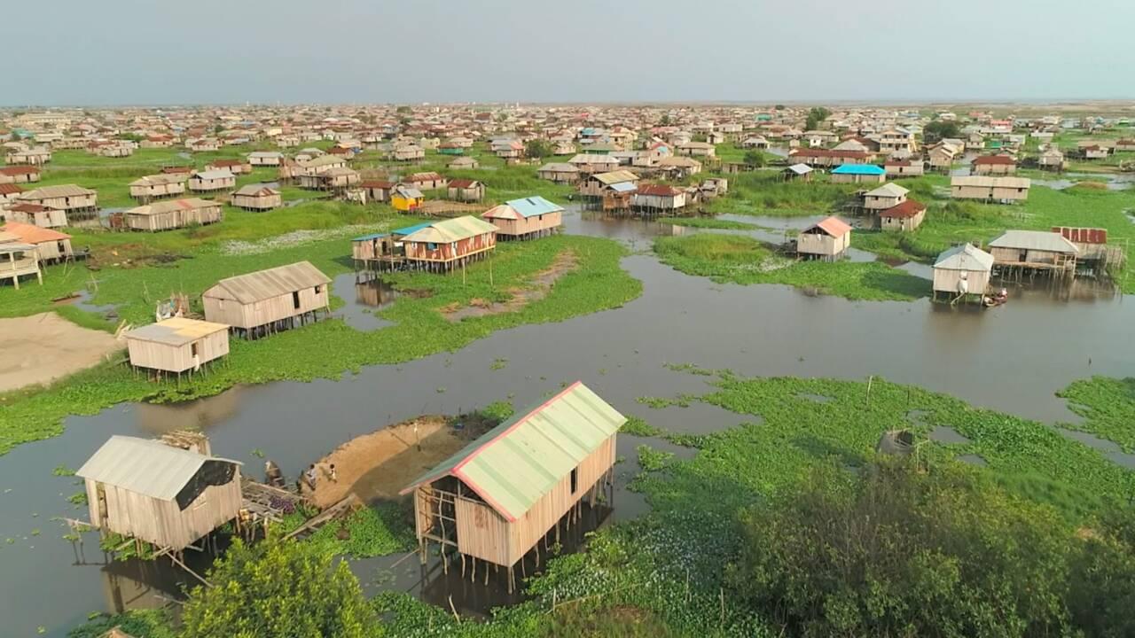 """Bénin : à la découverte de Ganvié, la """"Venise africaine"""""""