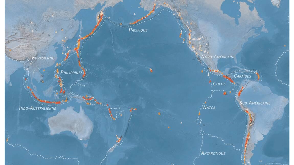 Fort séisme au large de l'Indonésie, alerte au tsunami, annoncent les autorités
