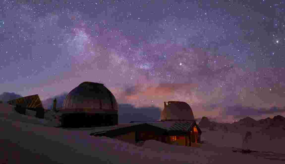 """Hautes-Alpes : sous """"l'un des plus beaux ciels au monde"""", on a passé la nuit à l'Observatoire de Saint-Véran"""