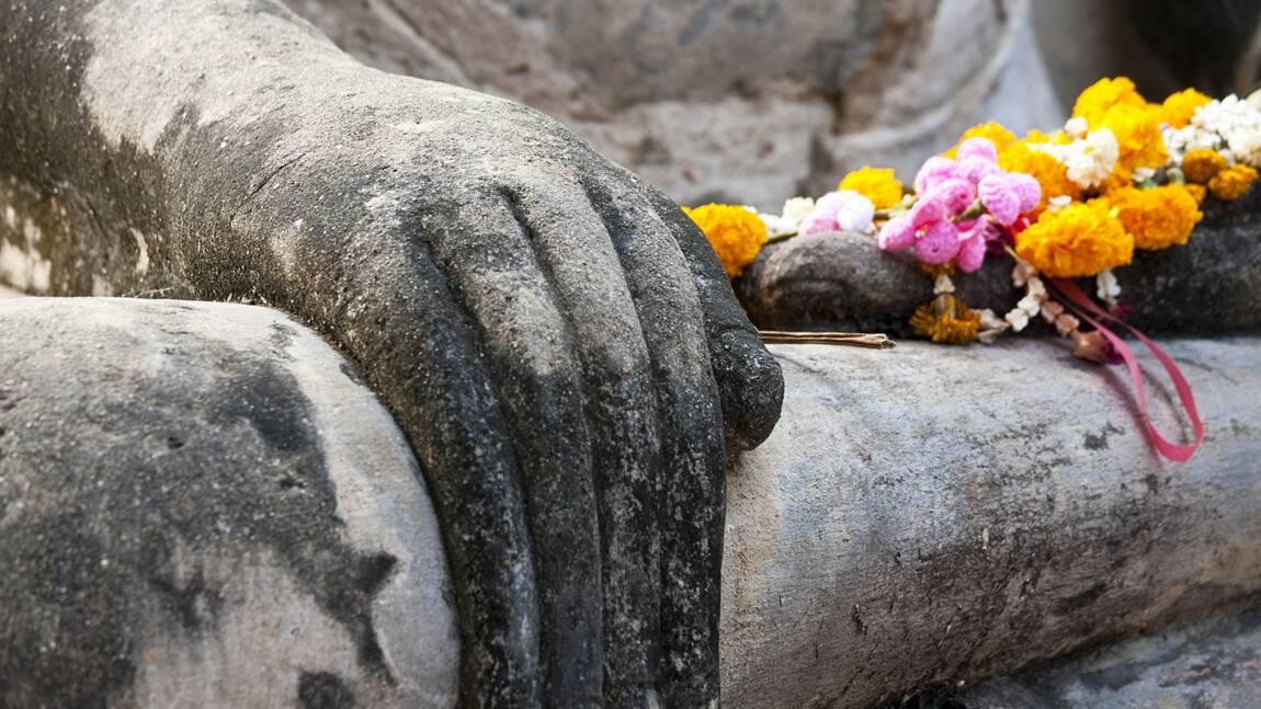 En Thaïlande, la sécheresse a fait ressurgir un temple disparu depuis vingt ans sous les eaux