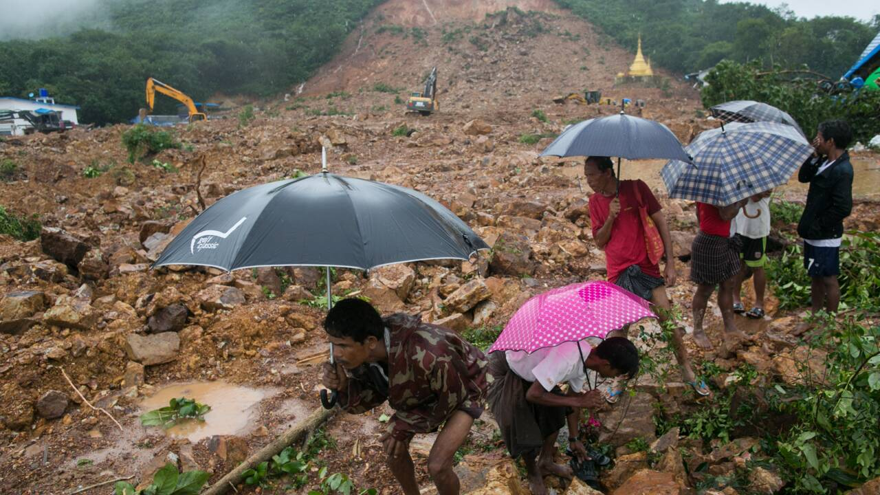 Glissement de terrain en Birmanie: au moins 22 morts, des dizaines de personnes introuvables