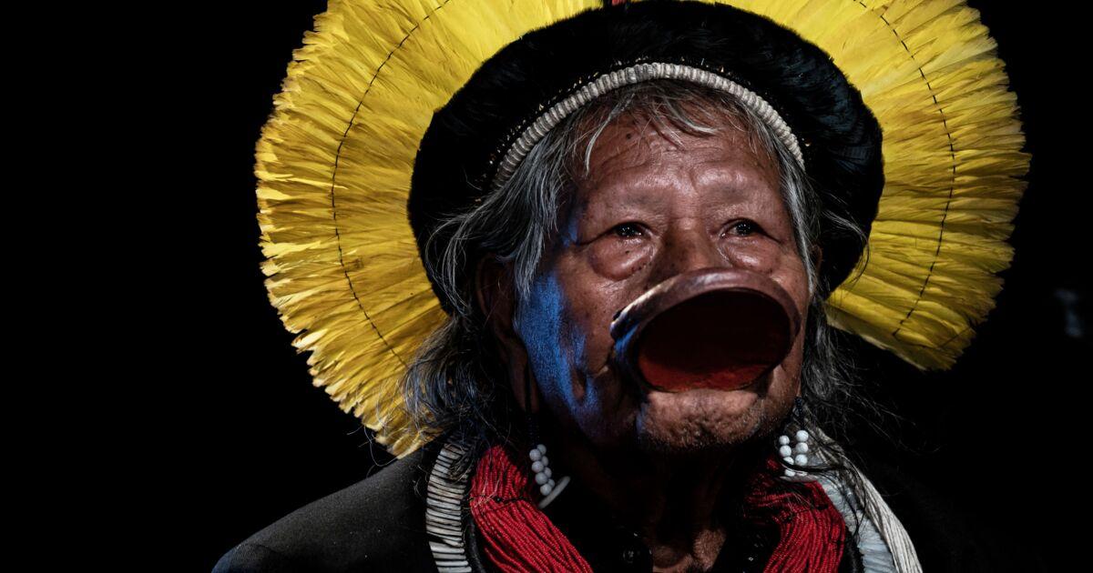 """Amazonie: le chef indien Raoni veut le départ de Bolsonaro """"le plus vite possible"""" (interview AFP)"""