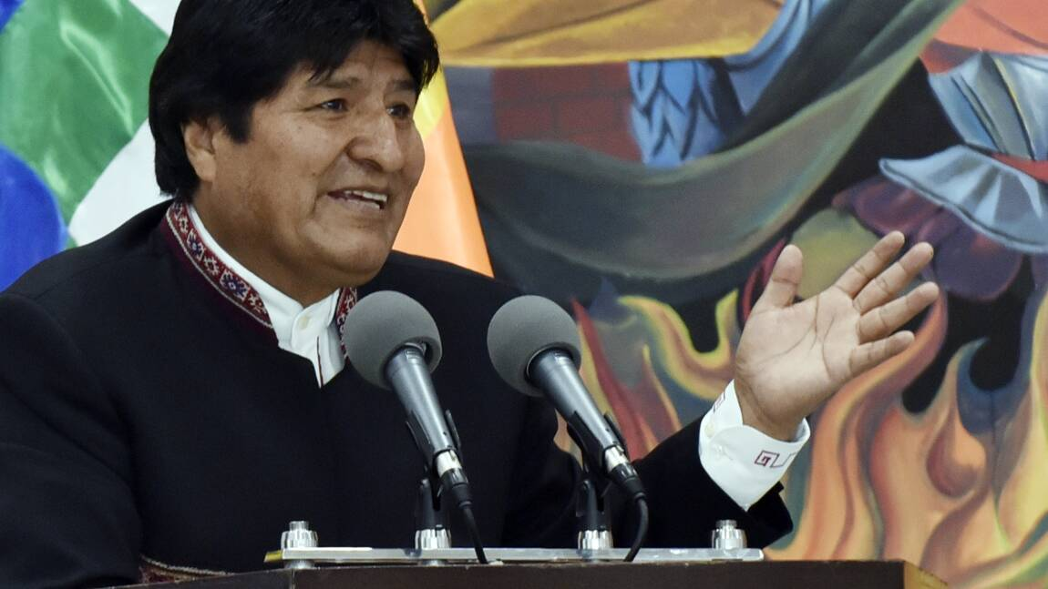 Incendies en Bolivie: le président accepte l'aide internationale et suspend sa campagne