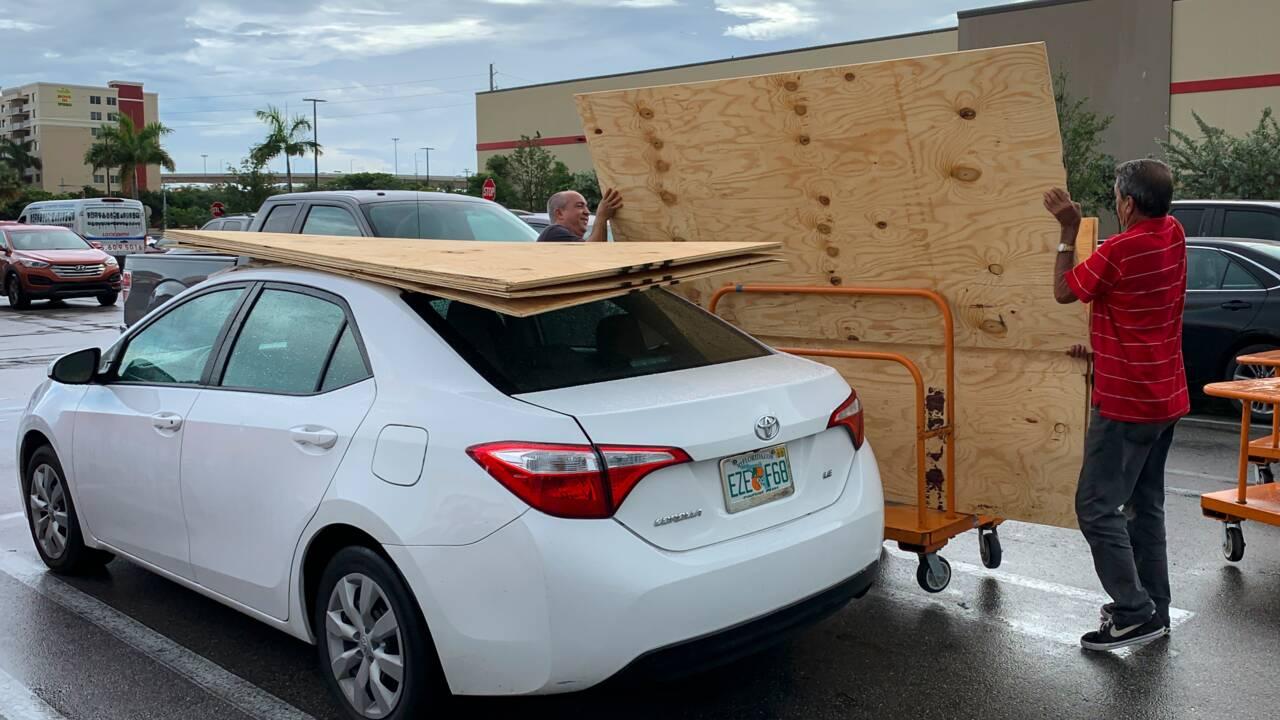 Les Bahamas se préparent à l'arrivée de l'ouragan Dorian, renforcé en catégorie 4