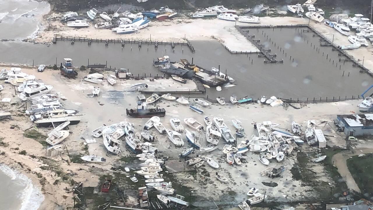 L'ouragan Dorian avance vers les Etats-Unis après avoir ravagé les Bahamas