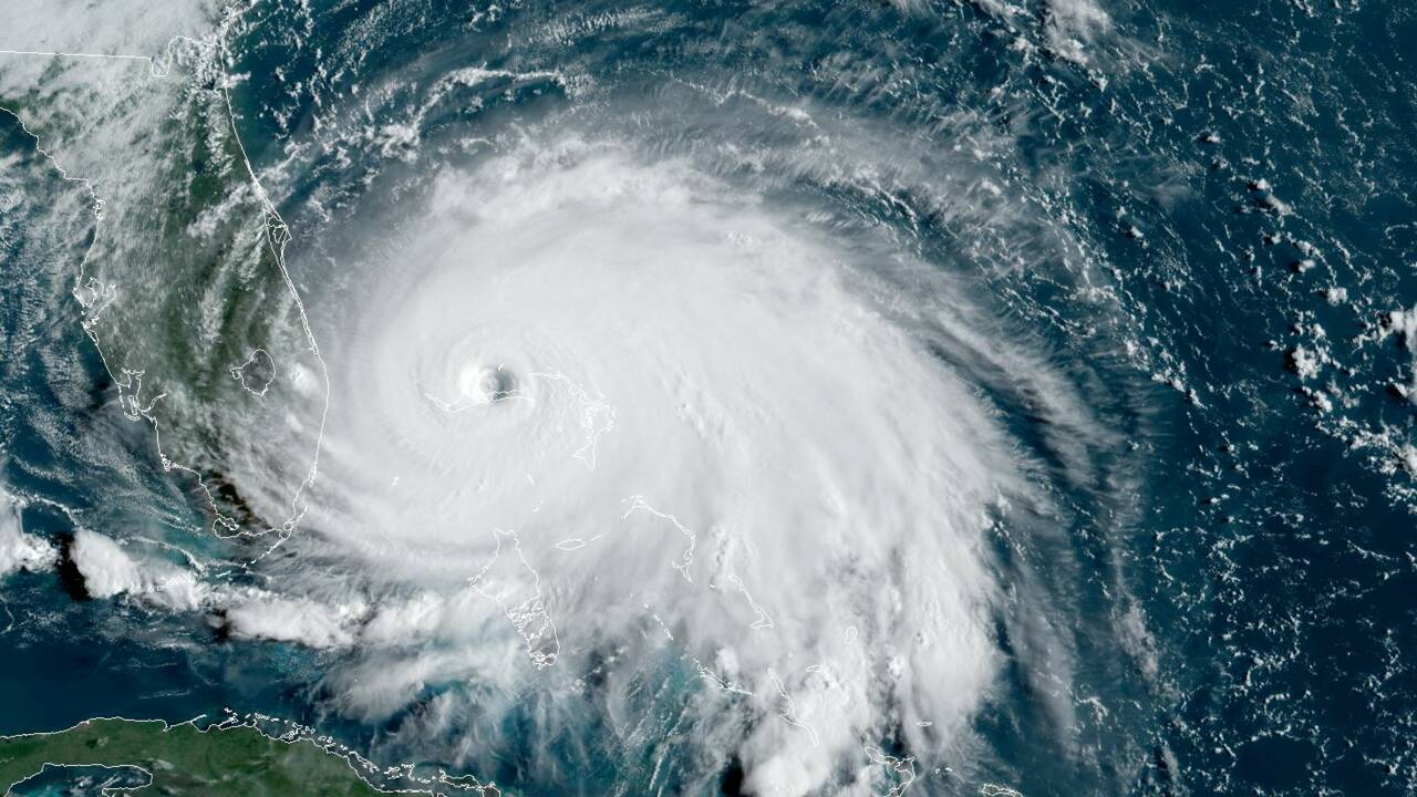 L'ouragan Dorian s'acharne sur les Bahamas, au moins 5 morts