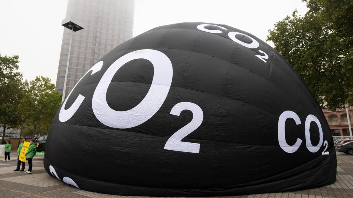 Automobile : Greenpeace épingle les SUV à l'ouverture du salon de Francfort