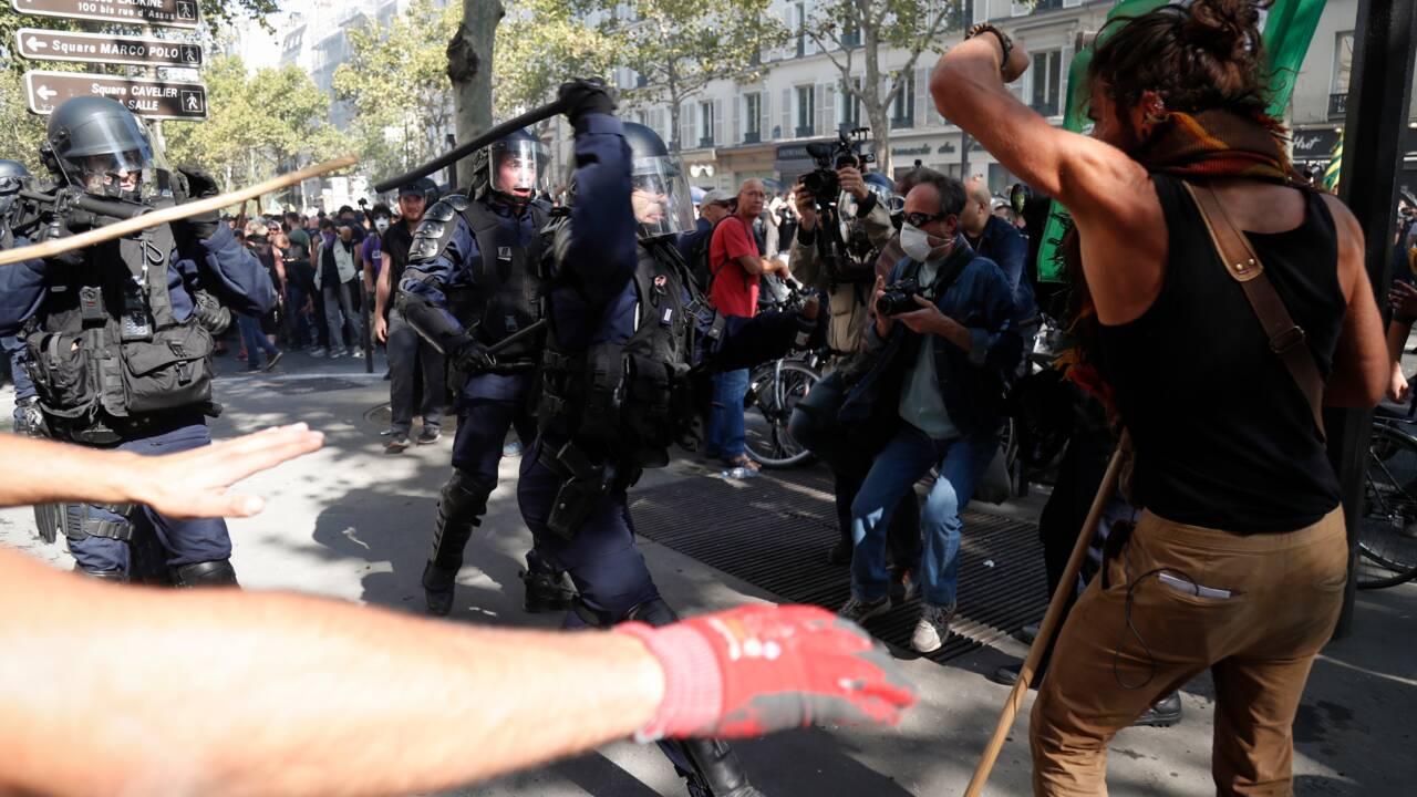 """""""David contre Goliath"""": une poignée de """"gilets jaunes"""" dans un Paris ultra-contrôlé"""