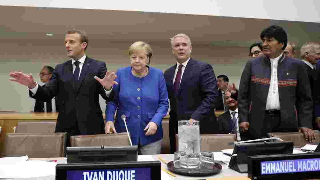 """Climat: Macron conseille aux jeunes d'aller """"manifester en Pologne"""""""