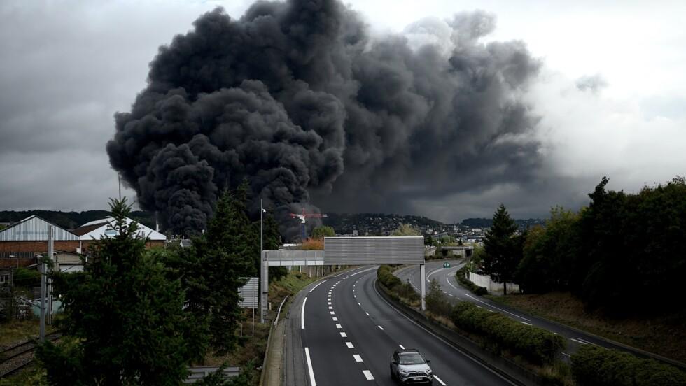 Lubrizol mis en examen pour les dégâts environnementaux causés par l'incendie de Rouen