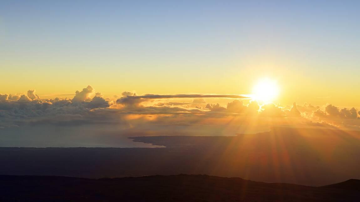 Comment l'éruption d'un volcan russe aurait provoqué un lever de soleil violet dans le Colorado