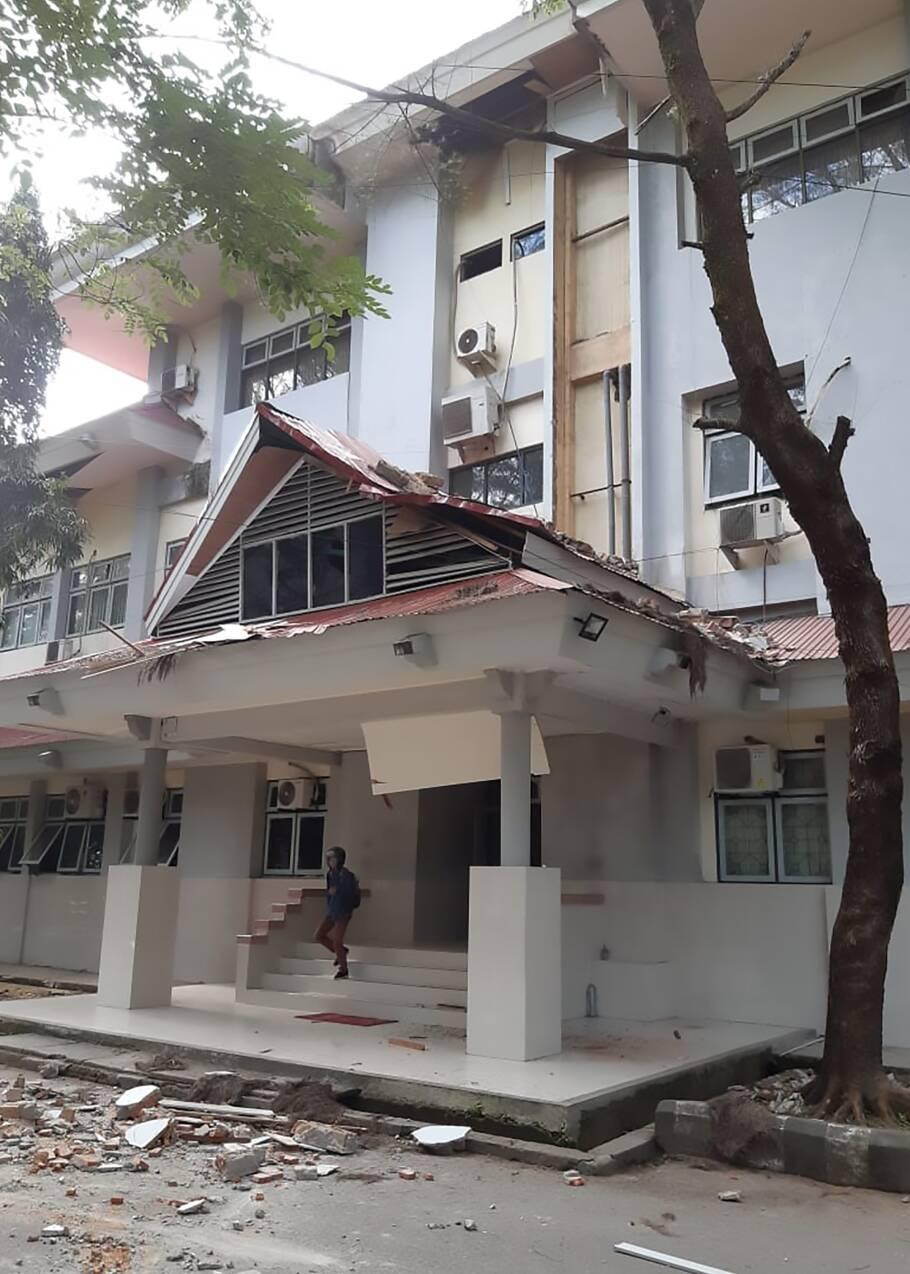 Un puissant séisme dans l'est de l'Indonésie fait huit morts