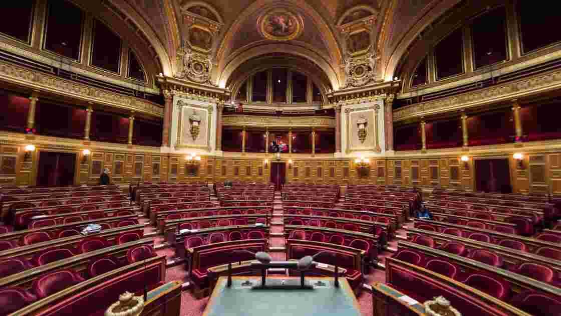 """Le Parlement adopte définitivement le projet de loi Energie et Climat, qui décrète """"l'urgence climatique"""""""