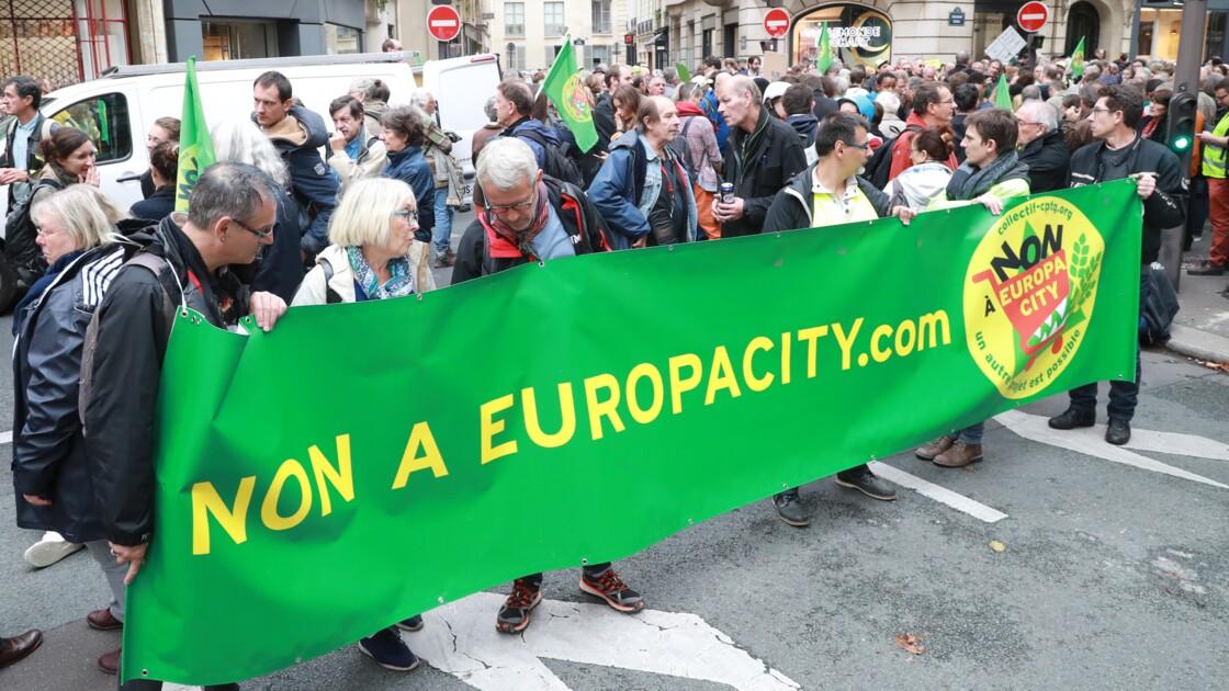 Europacity: des centaines d'opposants à l'arrivée de la marche à Matignon