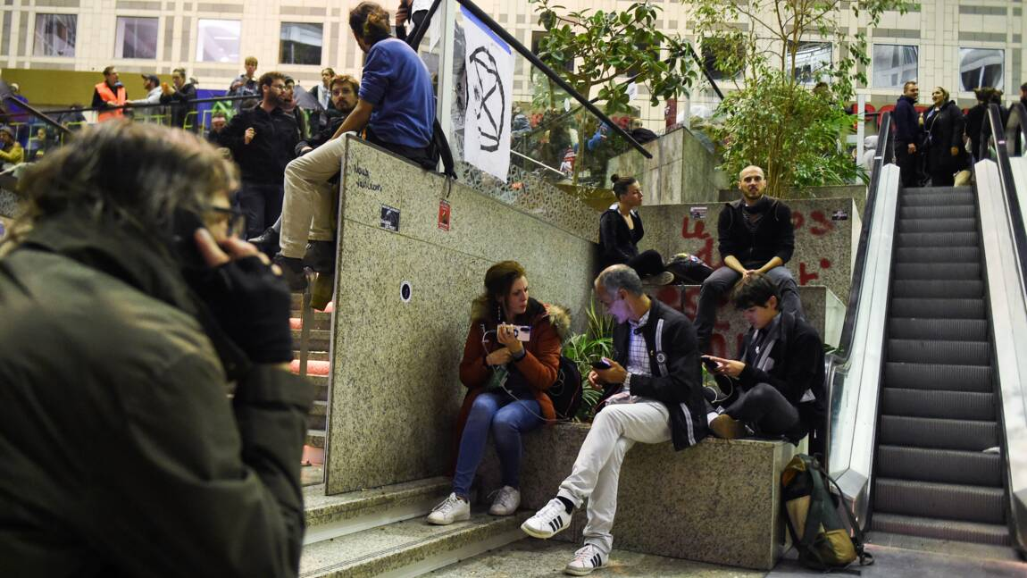 Climat: 17 heures d'occupation à Paris en coup d'envoi des actions d'Extinction Rebellion