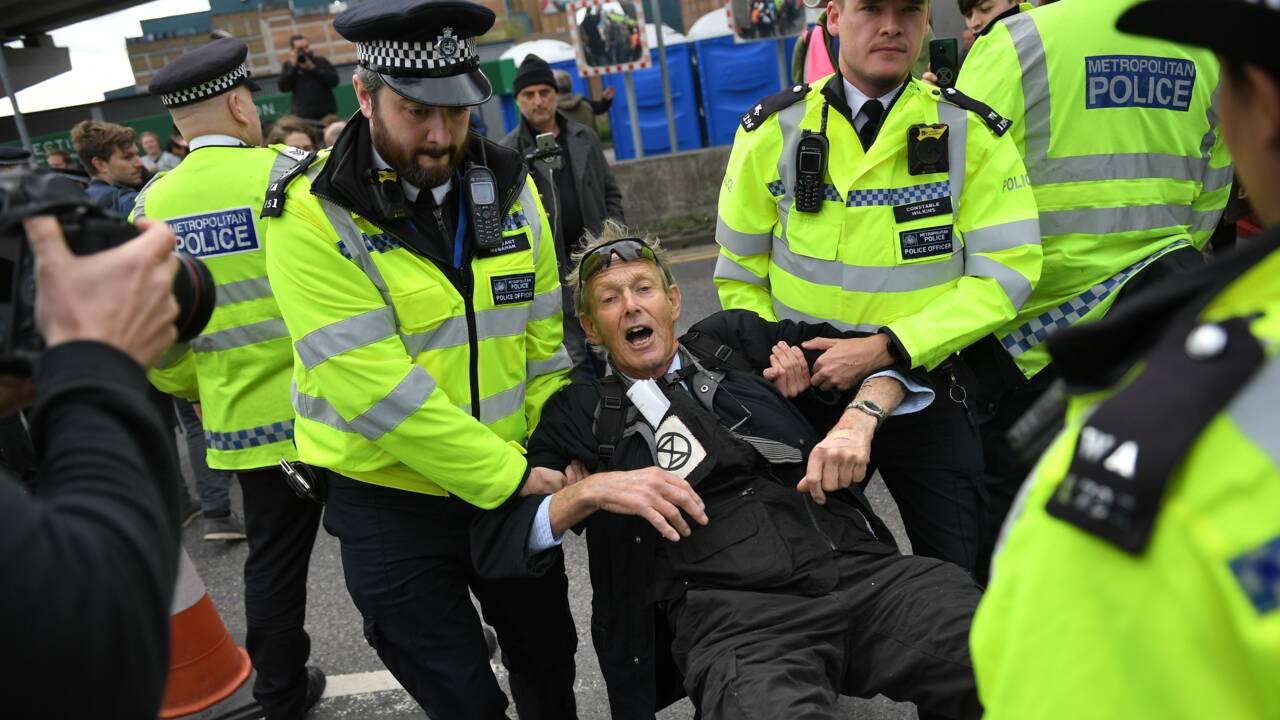 Des militants d'Extinction Rebellion ciblent un aéroport de Londres