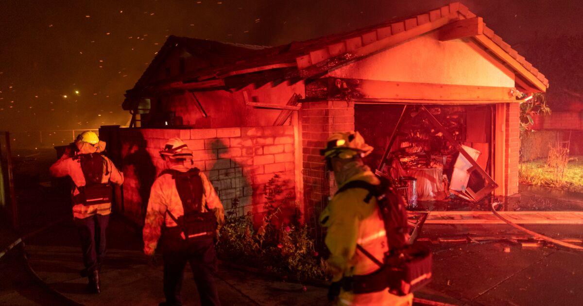 Incendies en Californie: 2 morts, 100.000 évacuations préventives près de Los Angeles