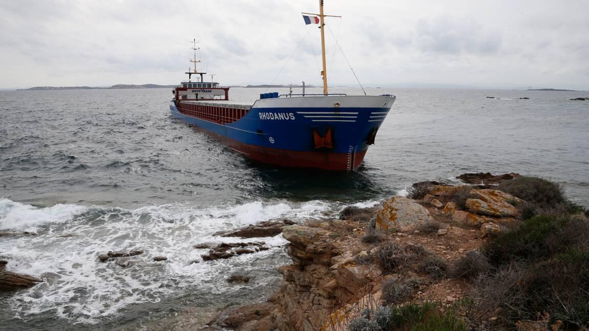 """Le cargo échoué à Bonifacio va devoir être """"allégé"""" pour être dégagé"""