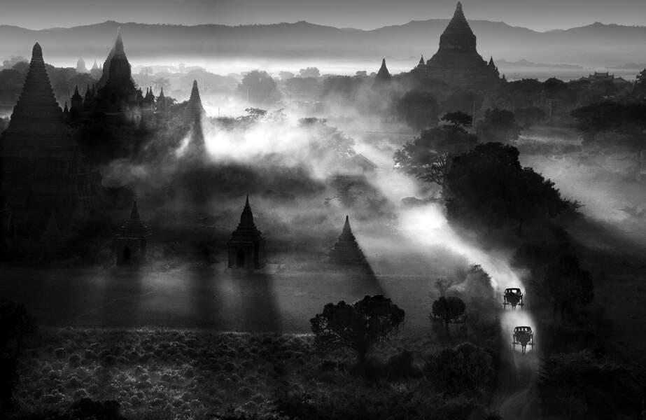 Poussière au-dessus de Bagan, en Birmanie