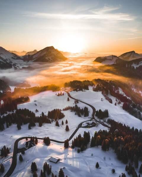 Coucher de soleil sur les Alpes au Säntis, en Suisse