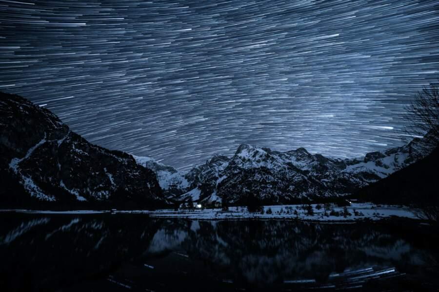 Ballet d'étoiles dans le ciel d'Almsee, en Autriche