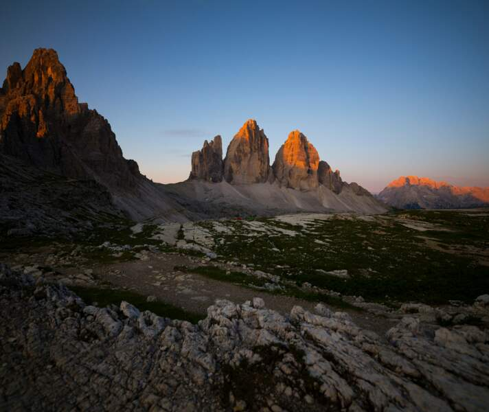 """Le nom """"Dolomites"""" a été attribué au XVIIIe siècle par le géologue français Dieudonné Dolomieu, qui avait identifié dans certaines roches, la présence de calcaire dolomitique"""