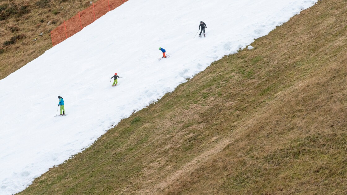 Le ski d'automne contre le climat ? Vif débat en Autriche