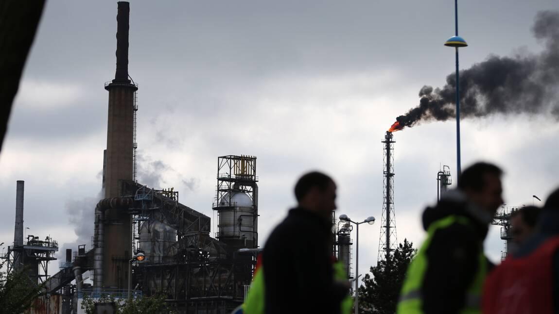 """Raffinerie normande ExxonMobil: flamme visible à 40 km mais """"pas de danger"""""""