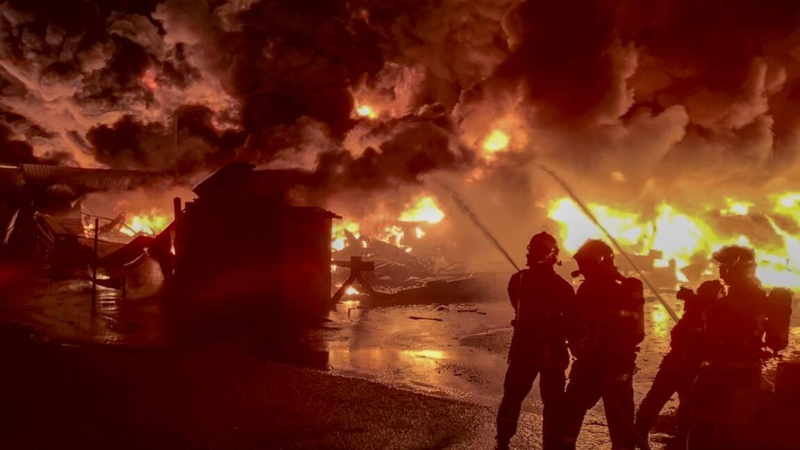"""""""Imaginez un immense chaudron"""": le chef des pompiers raconte l'incendie de Lubrizol"""