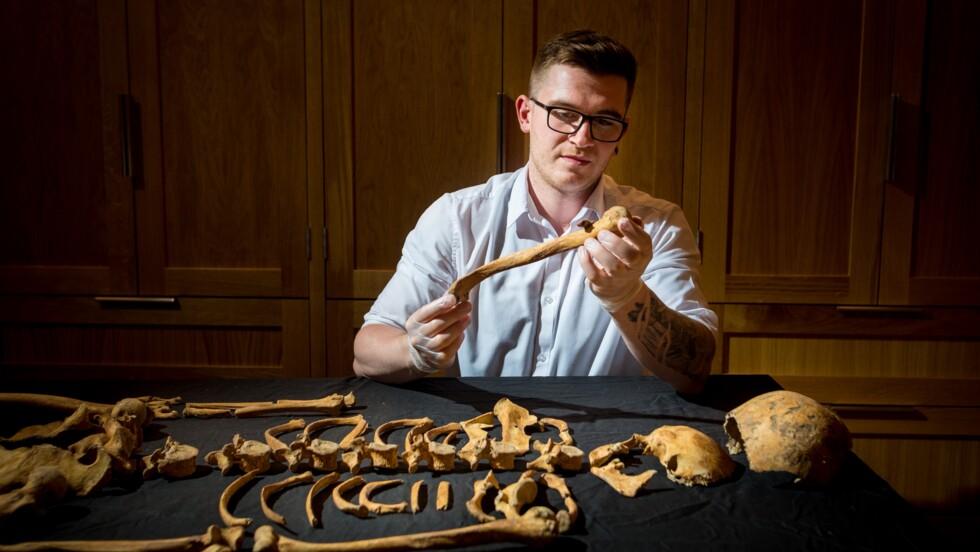 Deux squelettes vieux de 500 ans découverts sous la Tour de Londres