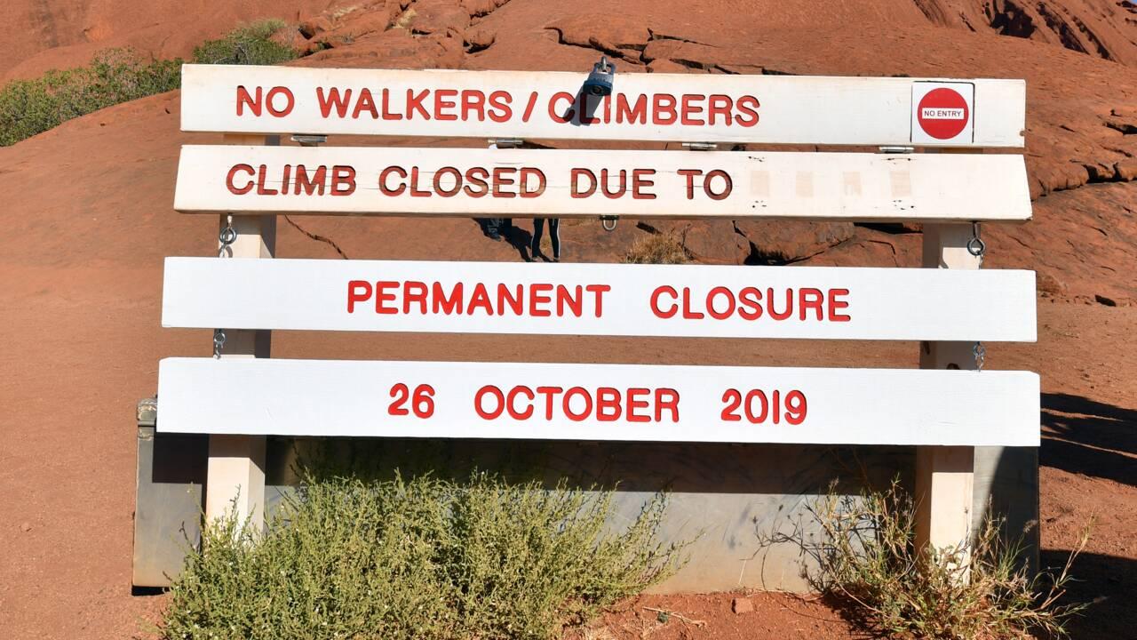 Uluru, le plus célèbre rocher d'Australie, désormais fermé aux grimpeurs