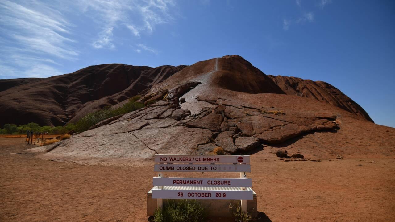 Les aborigènes Anangu célèbrent la fin des ascensions du rocher Uluru