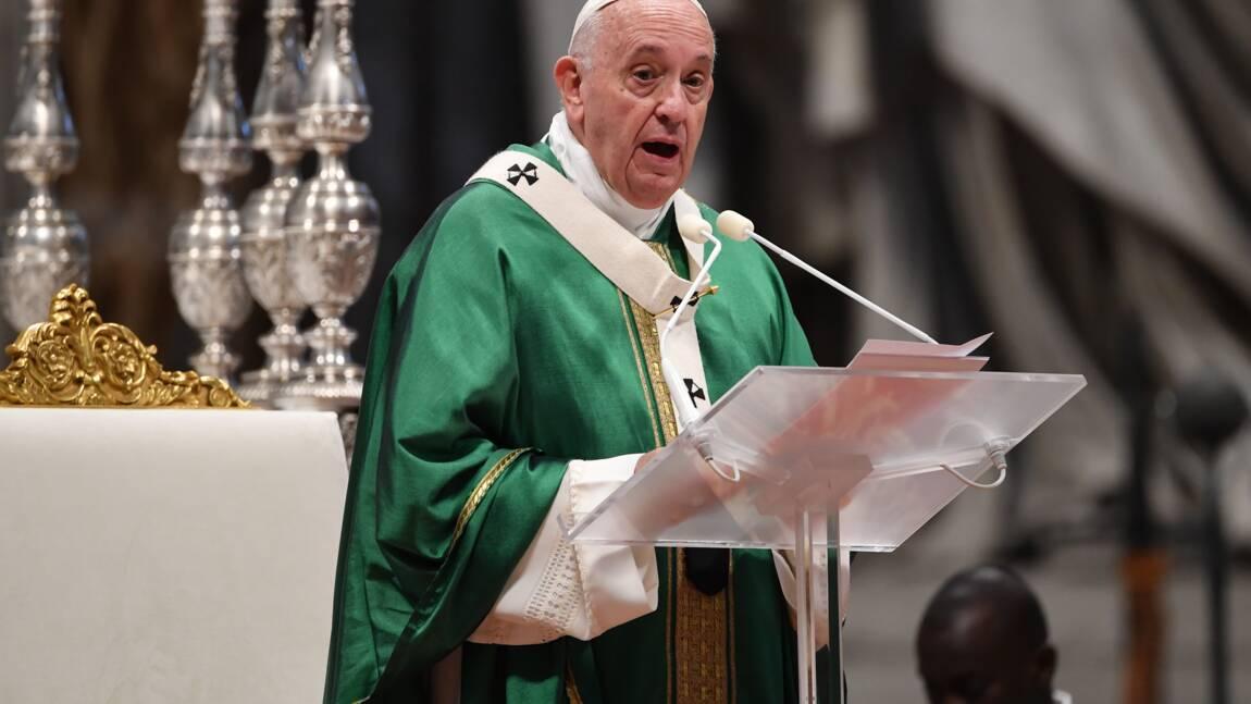 """Le pape veut stopper les """"prédateurs"""" qui """"défigurent"""" l'Amazonie"""