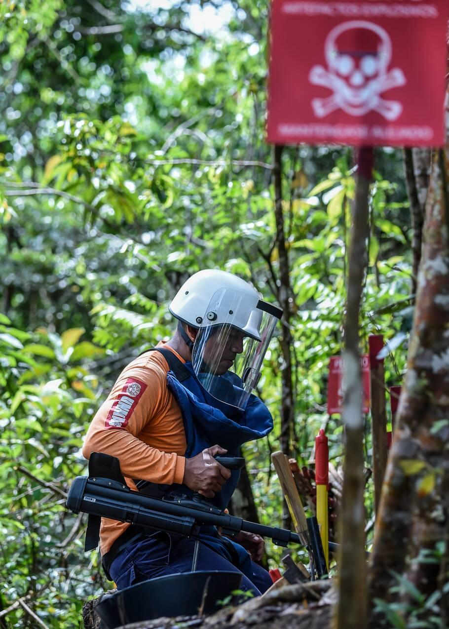 Déminer la Colombie après l'avoir minée, la mission d'ex-guérilleros en paix