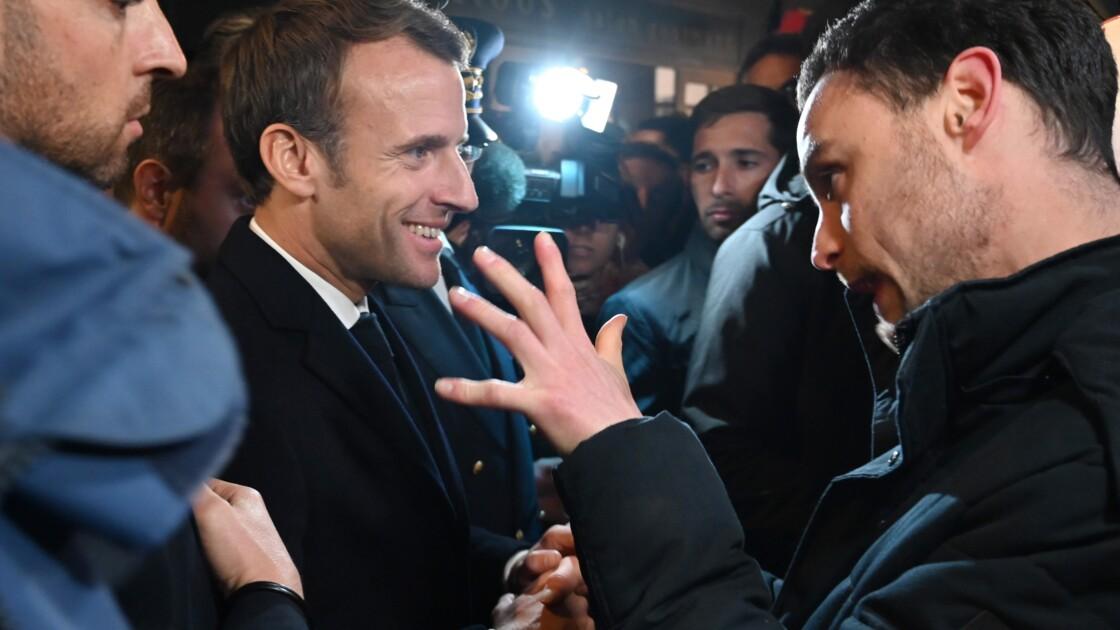"""A Rouen, Macron salue """"la compétence"""" des services de l'Etat après l'incendie de Lubrizol"""