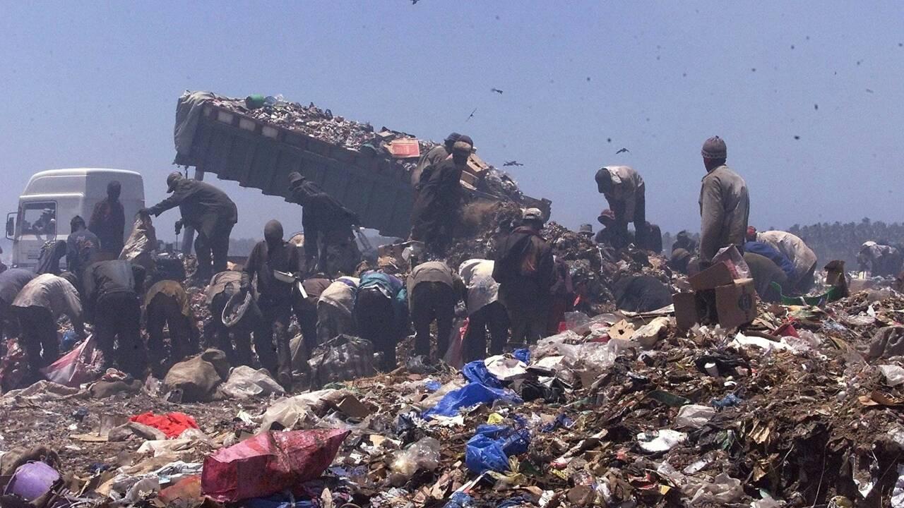 Environnement: Clip choc de Suzane dans une décharge géante au Sénégal