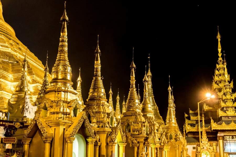 Les ors de la pagode Shwedagon, Yangon