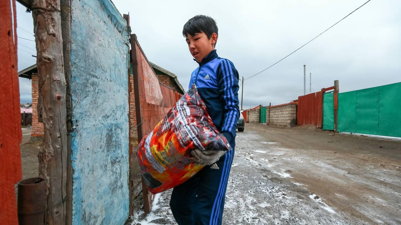 Le charbon sans fumée qui asphyxie les Mongols