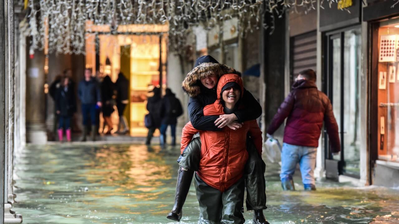 Intempéries en Italie: une femme décédée, viaduc écroulé, Venise sous les eaux