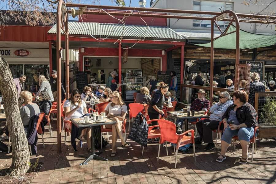 Un café au soleil à Alice Springs